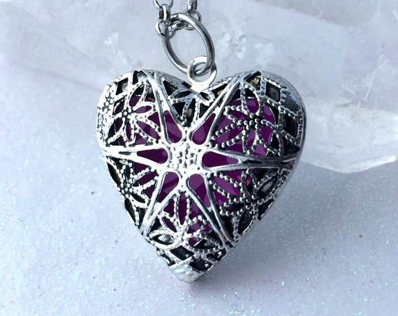 Glow Locket Violet Silver Heart
