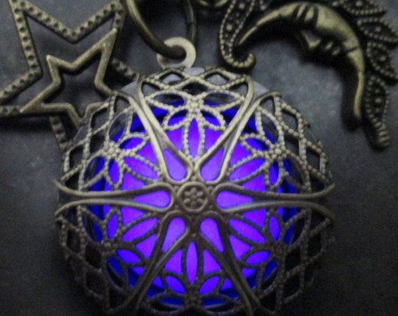 Moon and Stars Violet Purple Mystic Glow Locket, Antiqued Brass Filigree Vintage Style, Celestial Galaxy, Steampunk Victorian, Boho Chic