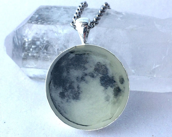 Real Moon Glow in the dark pendant space planets galaxy glowing astrology astronomy stars