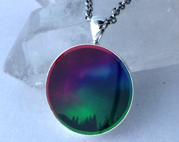 Aurora Borealis Glow in the dark Northern Lights Necklace Outer Space Galaxy