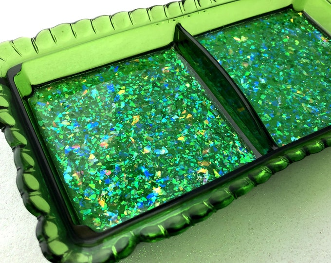 Vintage Glass Dish / Emerald Green / Trinket Tray / Jewelry Holder / Glow in the Dark / Opal Sparkles