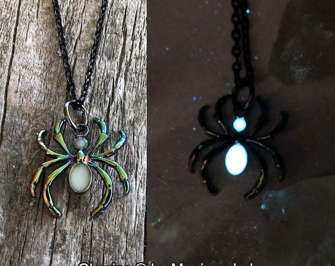 Aurora Borealis Spider Glow in the dark necklace