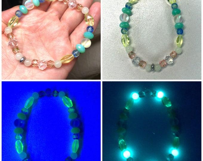 Uranium Glass Glowie Beaded Bracelet
