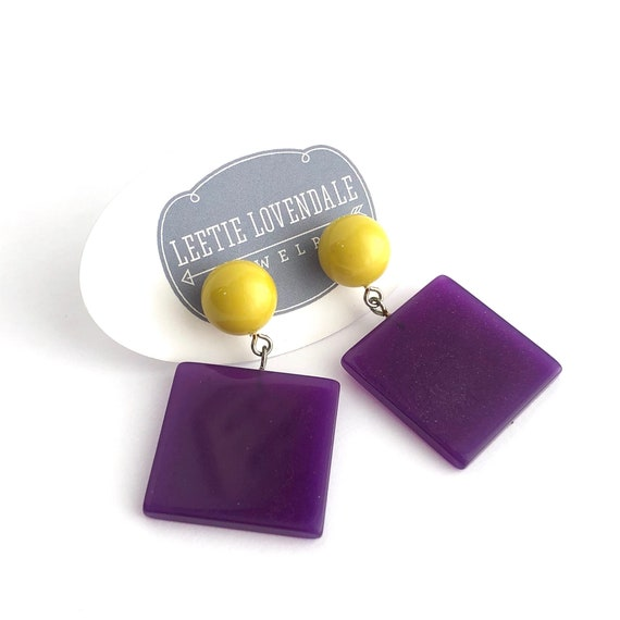 Retro Lucite Jewery by Leetie Lovendale Cranberry /& Chartreuse Petal Drop Earrings