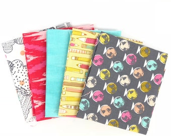 Remnant Bundle - Four Fat Quarters, One Fat Eighth- 100% quilting cotton - 42814