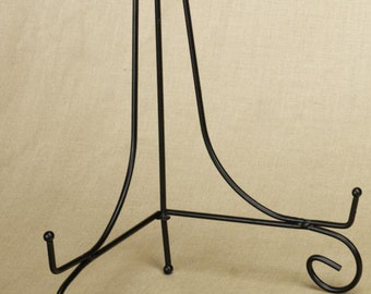 Black Wire Easel