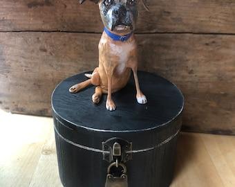 Medium (up to 55 lbs) cylindrical urn.