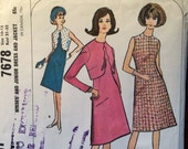 Vintage Sewing Pattern / 1960s Dress Pattern / Jacket Pattern / McCall's 7678 / Size 10-12 Bust 31-32 / Scalloped Front Jacket / Shift Dress