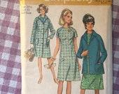 Vintage Sewing Pattern for Women / Raglan Sleeve Dress Pattern / Simplicity 9037 / Bust 43 / 60s Jacket Pattern / 1960s Fashion
