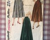 Vintage 1940's Simplicity Skirt Pattern 2666 - Waist 24 - Vintage Simplicity  / 40s Skirt Pattern / MIdi Skirt Pattern