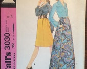 1970s Skirt Pattern / Vintage Sewing Pattern / Blouse Pattern / McCall's 3030 / Size 12 Bust 34 / Skirt with Pockets / Maxi Skirt Pattern