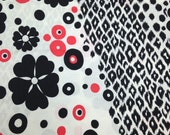 Vintage 1970s Red Black White Floral Cotton/Poly - 1 Yard - Fabric Yardage /Woven Fabric /Cotton Polyester /1970s Fabric /1970s Cotton