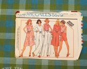 1970's Sewing Pattern / Vintage Pattern / Stretch Knit / McCall's 5579 / Skirt Pattern / Pants Pattern / Shorts Pattern / Blouse /QUICK LIST