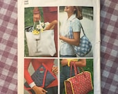 Vintage Bag Pattern / Simplicity 7004 / Purse Pattern / Clutch Pattern / Tote Pattern  / Quilted Bag / Handbag Pattern / 70s Bag Pattern