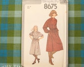 Vintage Sewing Pattern for Women / 1970's Dress Pattern / Simplicity 8675 / Bust 32.5 / Long Sleeve Dress / Pullover Dress / QUICK LIST