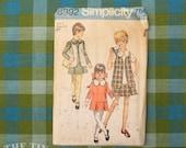 Girls Dress Pattern / 1970's Dress Pattern / Vintage Sewing / Simplicity 8992 / Bust 27 / Size 8 / Detachable Collar Cuffs /QUICK LIST