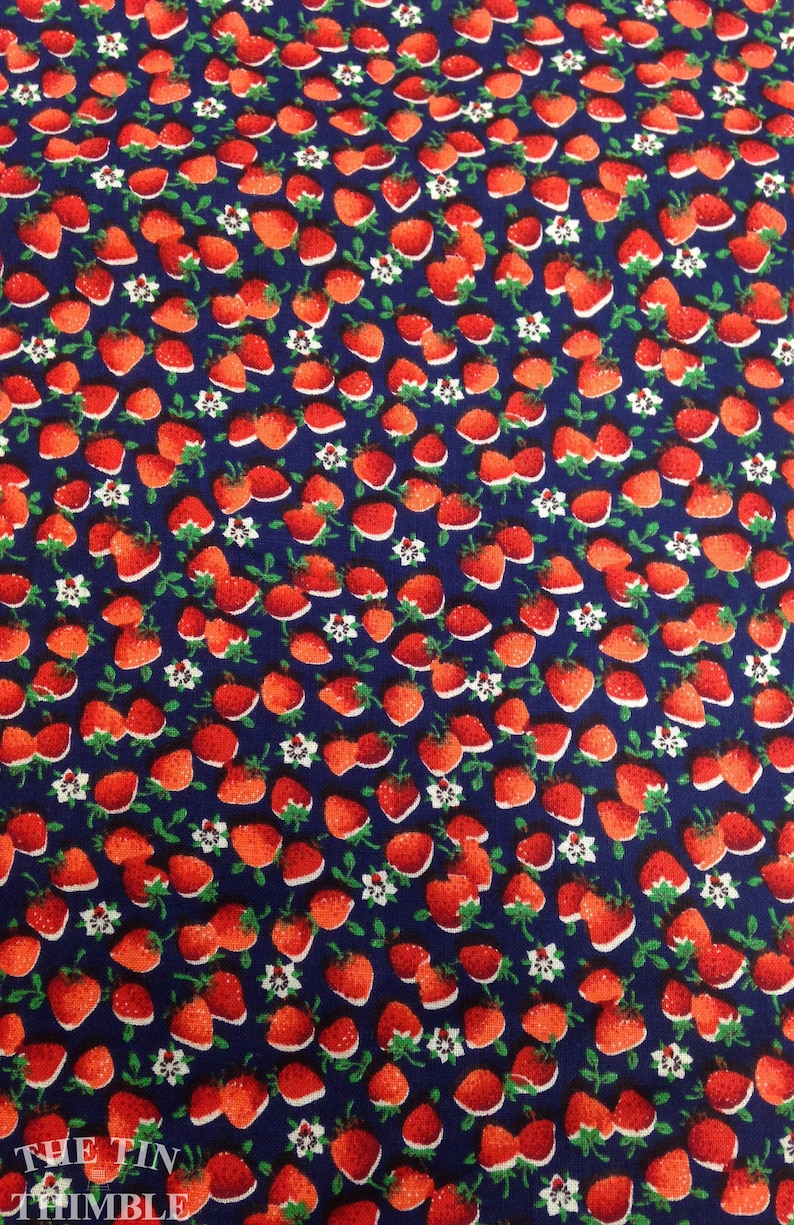 Vintage Strawberry and Flower Print 100/% Cotton Fabric in Red White and Blue 1 Yard