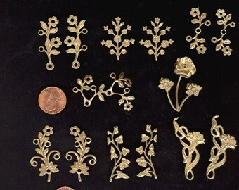 14 Vintage Pale Brass Ox Flowers Leaves Leaf Metal Charms Pendants All Approximately 1-1/4 to 1-7/8 Inch No 42E