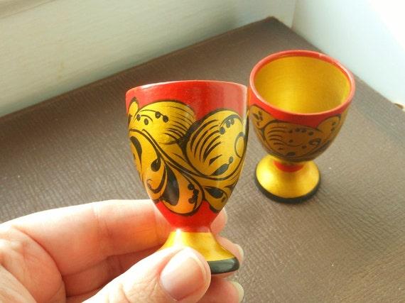 Paire de tasses russes dans un Style Folk Art Khokhloma de peintes à la main