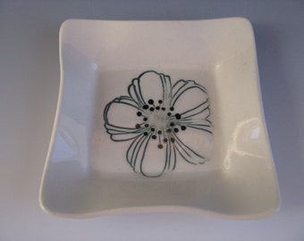 Ceramic Pottery Trinket Tray White with Green and Black Flower