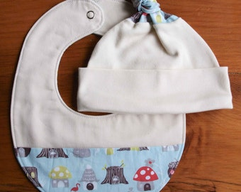 SALE, save 30% Organic Baby Hat and Bib Gift Set in ELVENDALE, Blue Woodland Baby Cap and Drool Bib Gift Set by Organic Quilt Company