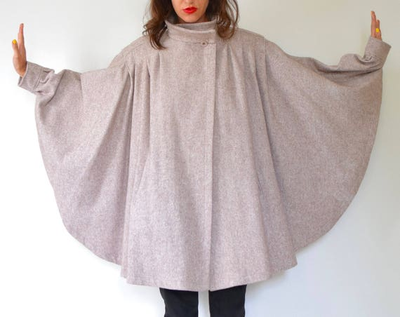 Vintage 70s 80s Country Pacer Oatmeal Wool Minimalist Sleeved Cape