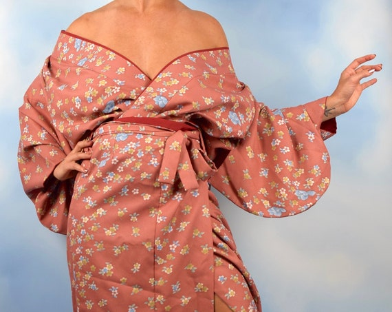 Vintage 70s Floral Print Salmon Kimono Sleeved Blouse and Wrap Skirt (one size fits all)