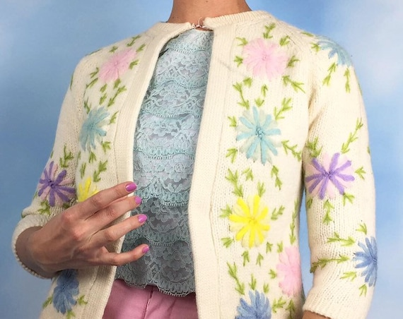 Vintage 60s Embroidered Pastel Floral Knit Wool Open Front Cardigan (size medium)