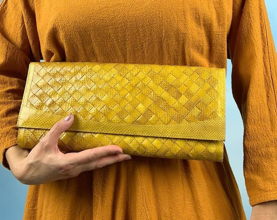 Vintage 80s 90s Yellow Basket Woven Snakeskin Leather Convertible Shoulder Bag or Clutch