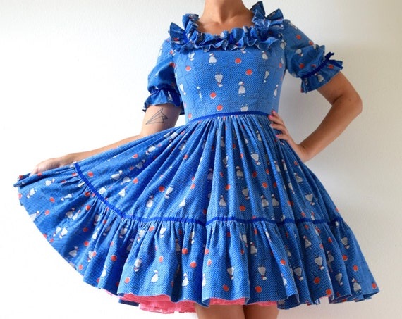 Vintage 50s Poodles and Balloons Novelty Print Ruffled Bodice New Look Square Dance Circle Dress (size small, medium)