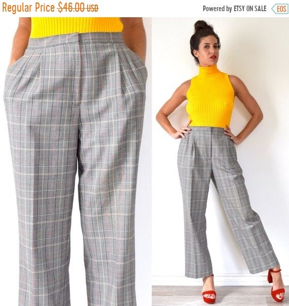 SALE SECTION / 50% off Vintage 80s 90s High Waisted Houndstooth Plaid Pleated Straight Legged Trousers (size 29, 30)
