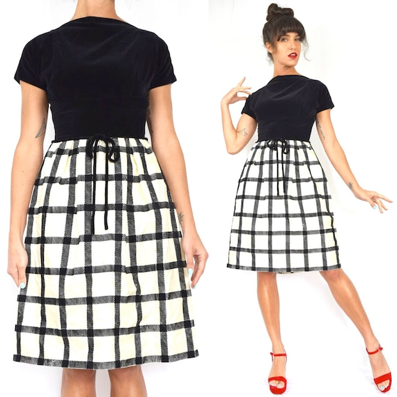 Vintage 60s Black and White Grid Plaid Fit and Flare Party Dress (size xs, small)