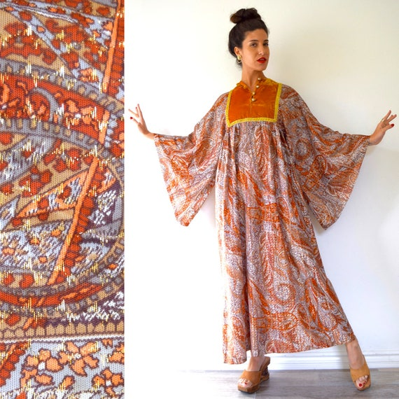 Vintage 70s Burnt Orange and Metallic Gold Psychedelic Paisley Box Sleeve Caftan (size small, medium)