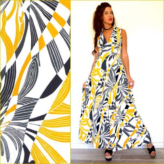 Vintage 60s 70s Psychedelic Op Art A Line Maxi Dress (size xs, small)
