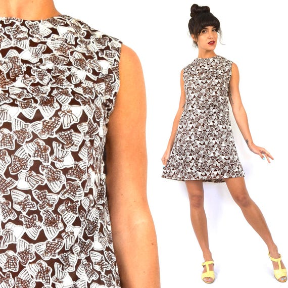 Vintage 60s So Many Hats Brown and White Novelty Print Mini Shift Dress (size small, medium)
