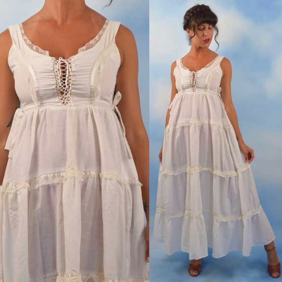 Vintage 70s Crisp White Cotton Lace Trimmed Prairie Dress with Lace Up Bodice (size xs, small)