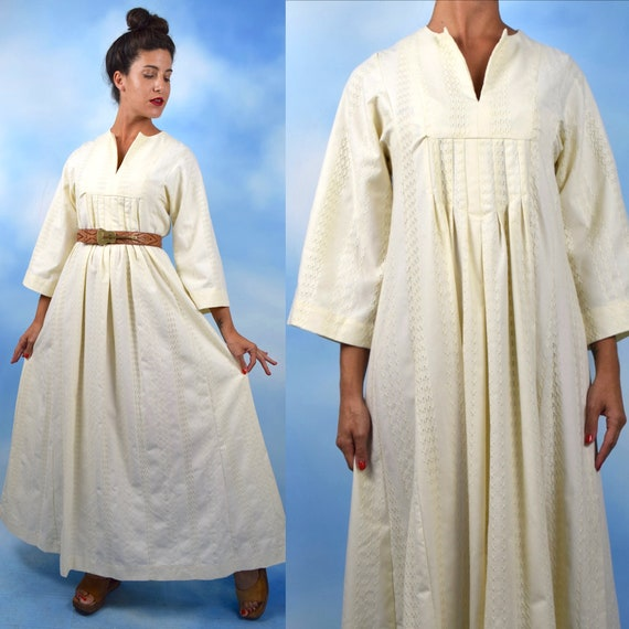 Vintage 60s 70s Ivory Woven Cotton Caftan (one size fits most)
