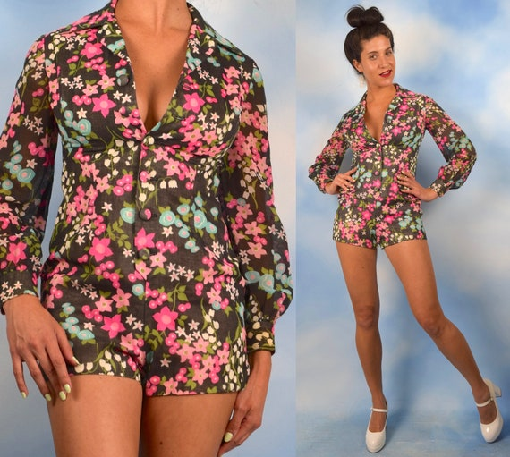 Vintage 60s 70s Full Bloom Floral Print Long Sleeved Button Front Romper (size small, medium)