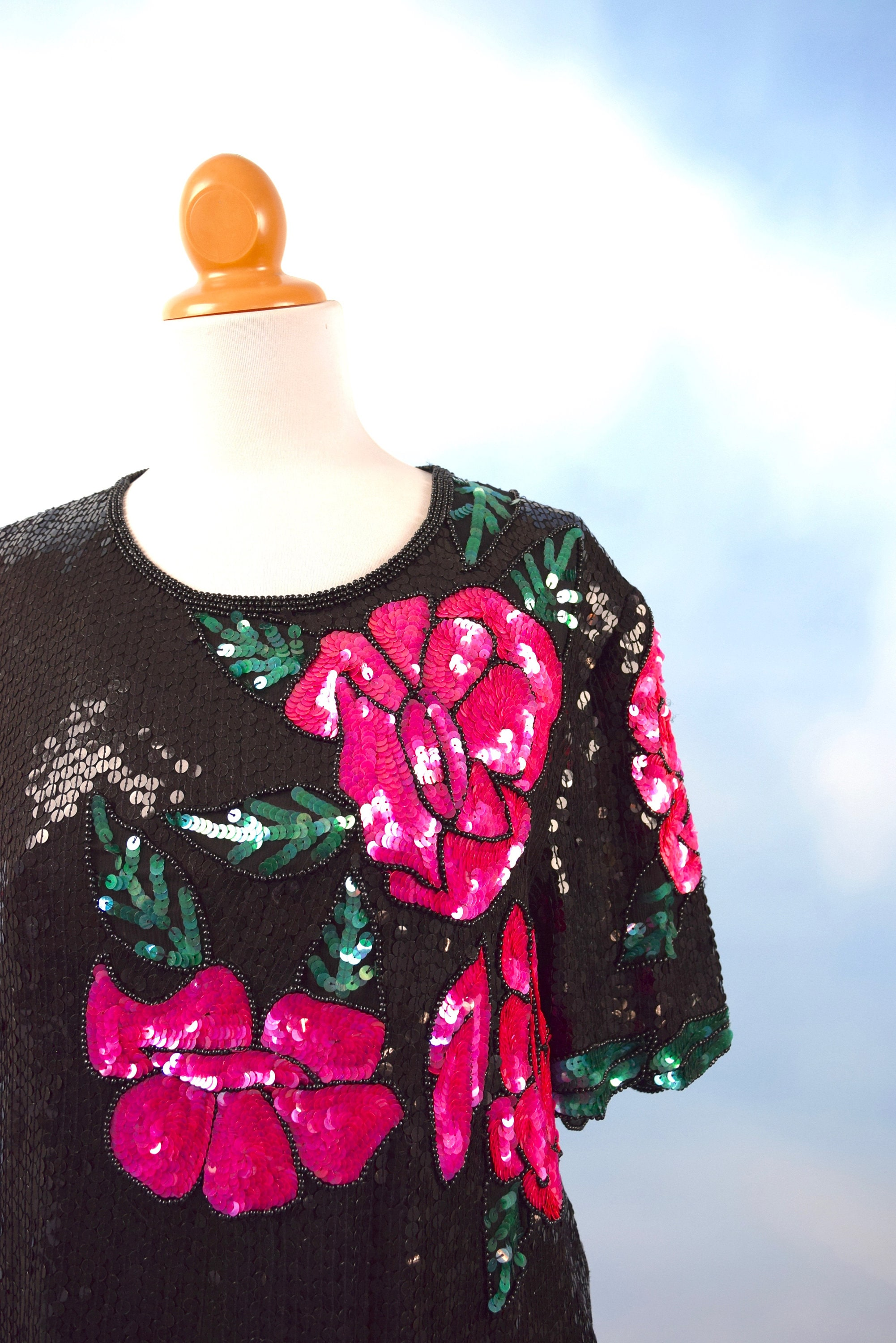 c918432e Vintage 80s 90s Hot Pink and Black Sequined Rose Blouse (size ...