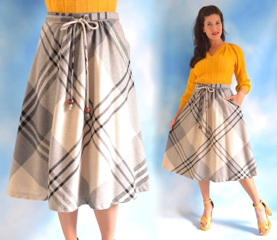 Vintage 70s 80s Grey Scale Plaid High Waisted Full