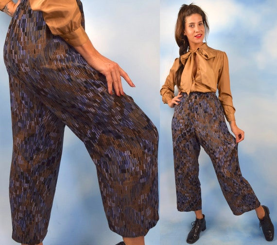 90s  Abstract Print High Waisted Wide Legged Culottes (size large, xl)