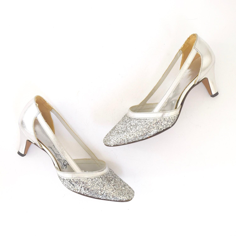 884b9d52166 Vintage 60s Sparkly Metallic Silver Leather Cut Out Pumps