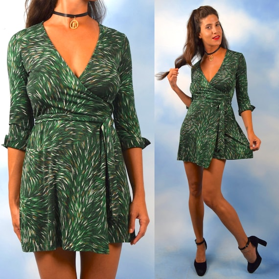 Diane Von Furstenberg Hunter Green Abstract Feather Print Silk Jersey Knit Mini Wrap Dress (size small, medium)