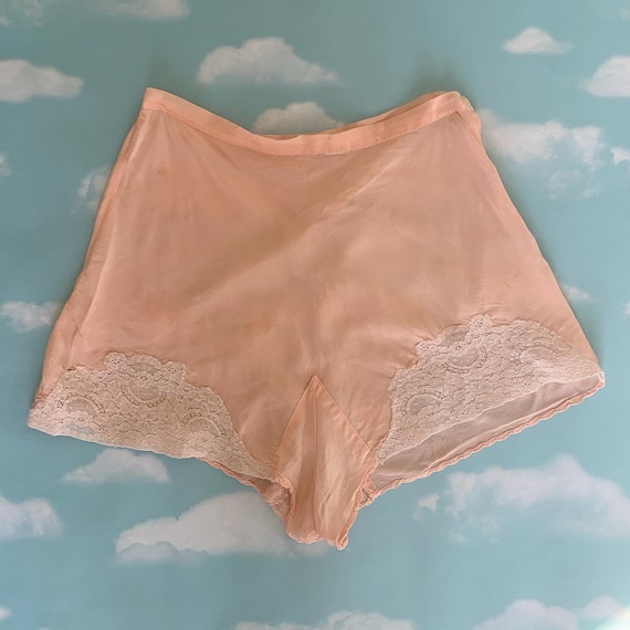 Vintage 30s 40s Soft Pink High Waisted Silk Lace T