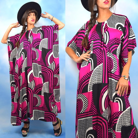 Vintage 60s 70s Psychedelic Optical Art Abstract Print Fleece Caftan (one size fits all)