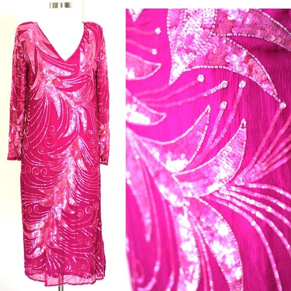 Size M//Gatsby Stunning Sequin dress// Beaded V ne