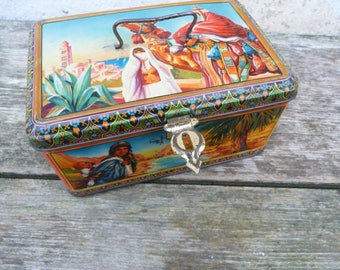 Vintage Antique 1930/1950s  French tin box biscuits box / Orientalist style