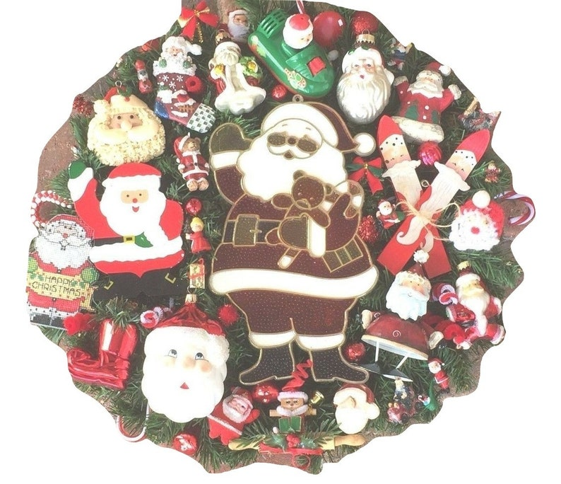 Vintage Christmas ornament wreath Santa Claus St Nick Father 18 Inch 24598