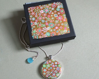 Original Handpainted Daisy flower Pendant, chalcedony, Necklace Pendant, Jewelry, Beautiful Sterling Silver Necklace