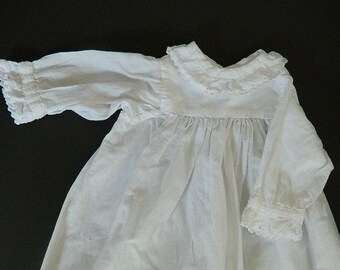 Victorian Doll dress. Authentic 19th Doll  dress.  White Dress of the end of the 19th.
